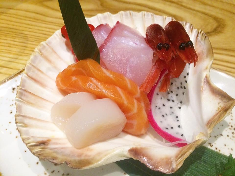 J JAPANESE, selezione di sashimi