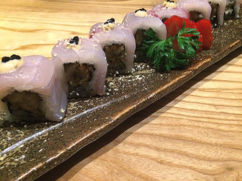 J JAPANESE, premium roll: ventresca di dentice, caviale yuzu e ostrica furai