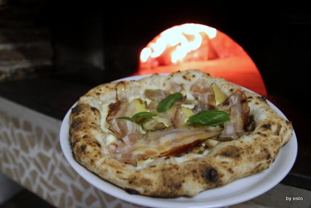 Il Segreto di PUlcinella Giuseppe Bove Pizza specialita di Pulcinella
