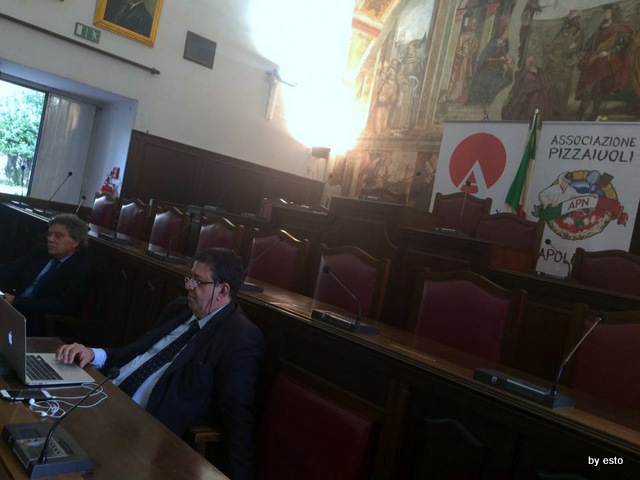Pizza 2.0 I Pizzaioli Napoletani a convegno Luciano Pignataro e Sergio Miccu