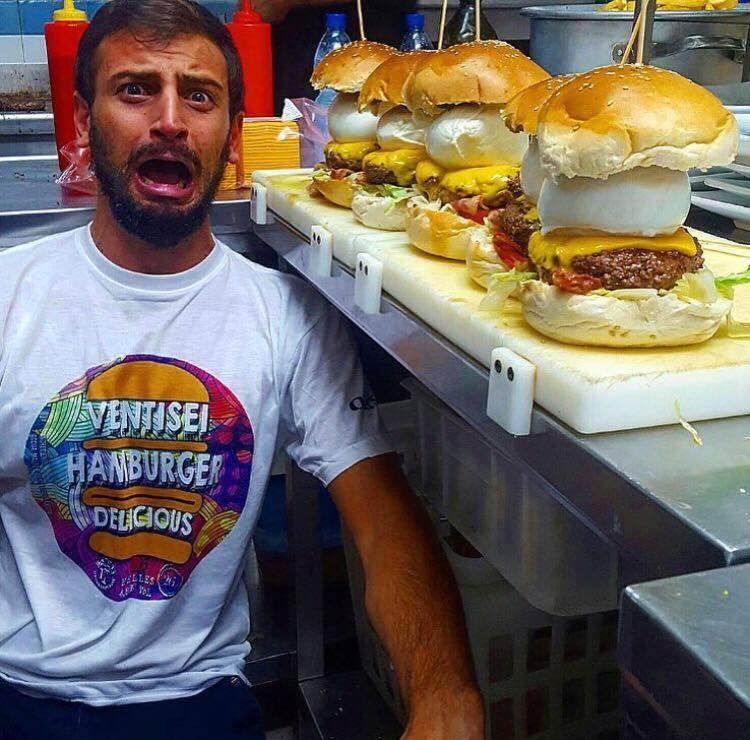 Vincenzo Falcone e i suoi hamburger