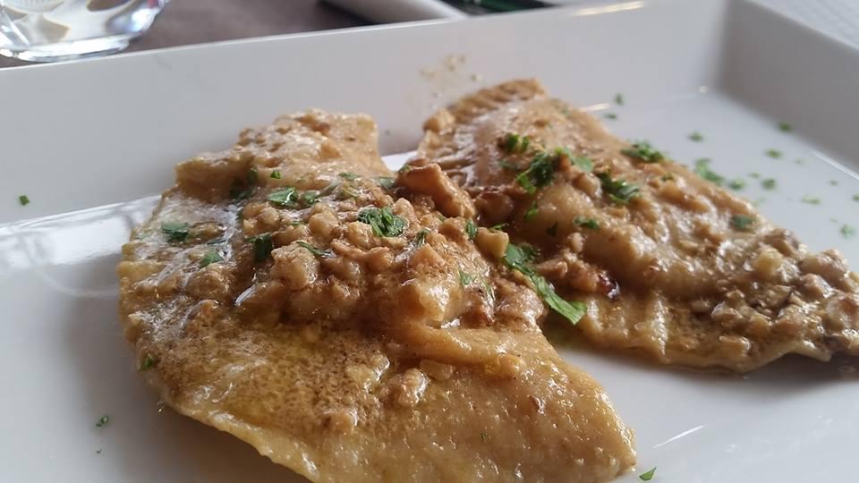 Il Tintore, Ravioli ripieni di zucca, besciamella e salsiccia con salsa di noci ed alici salate
