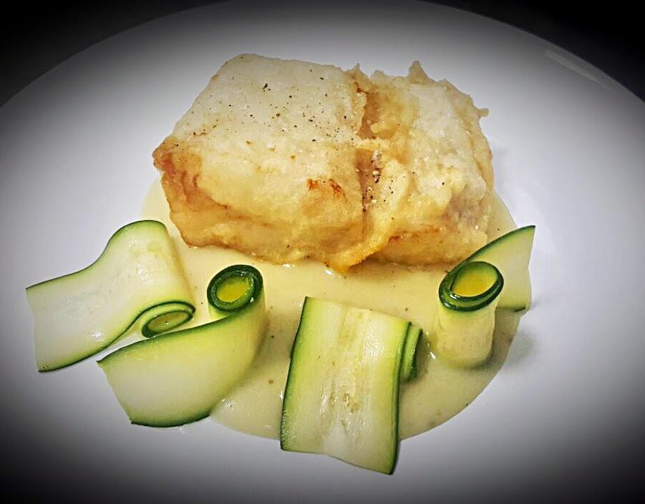 Granafine, il Filetto di Bacalao islandese in pastella su crema di patate al limone e crudite' di zucchine