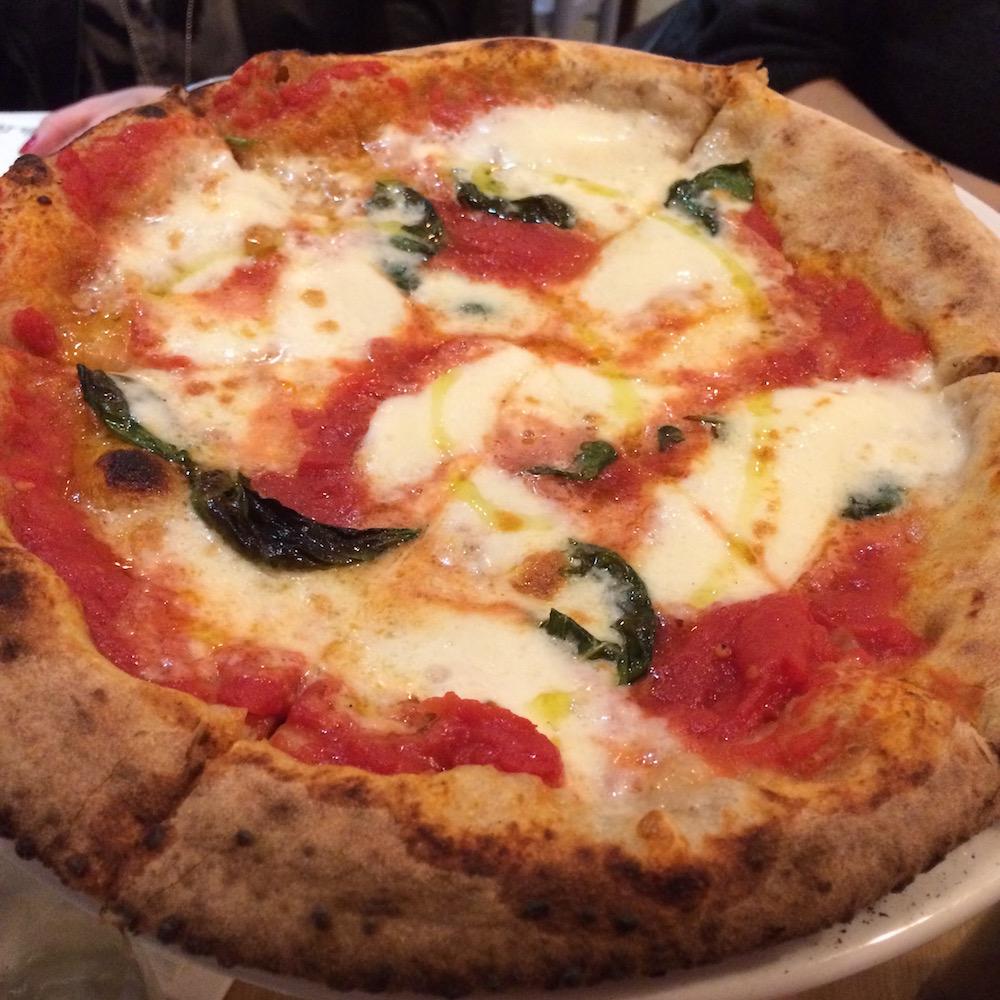 O Fiore Mio Pizzeria - la Margherita alla Napoletana