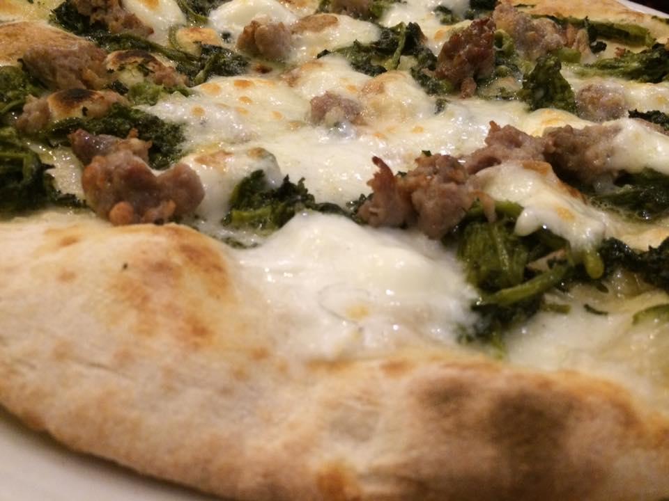 Regina Scalza, broccoli e salsiccia