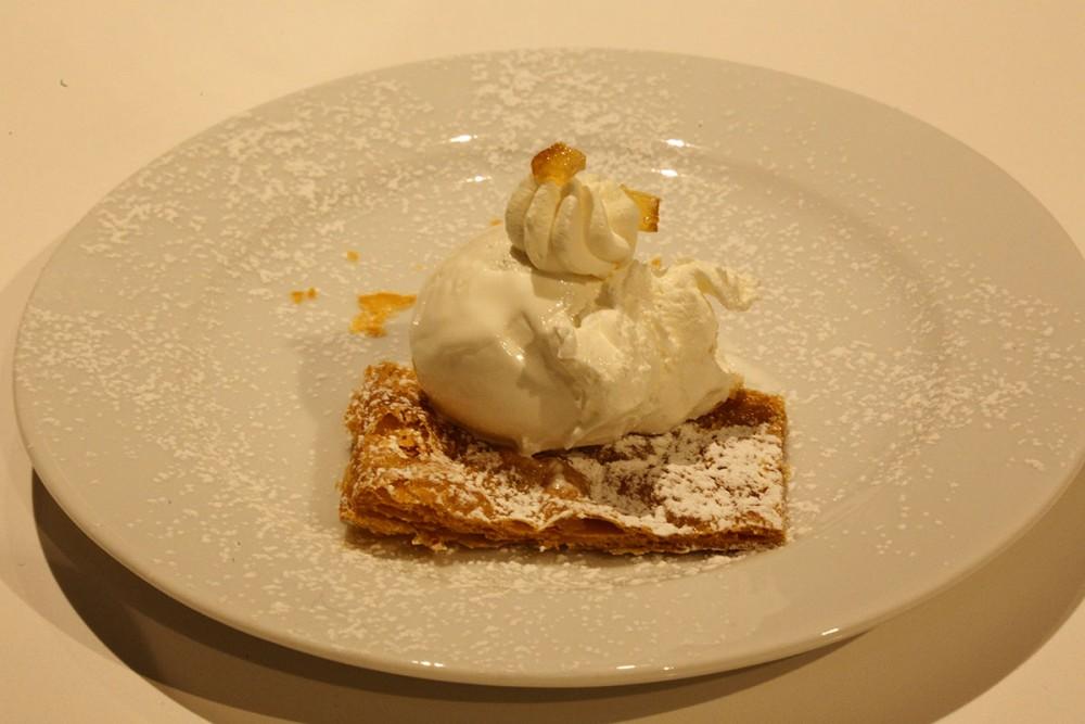 Storie di Pane, Dessert di Enzo Crivella da Sapri ad Amalfi Crema di limone su sfoglia croccante