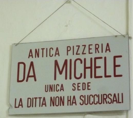 Da Michele Via Cesare Sersale, Napoli