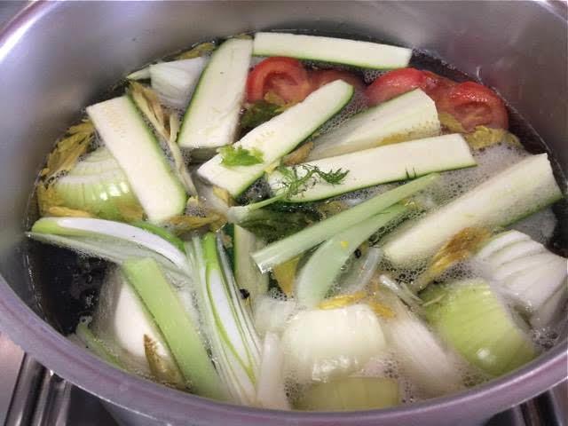 Il brodo vegetale, preparazione