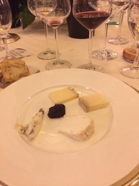 Orologio di formaggi con Barolo 2012