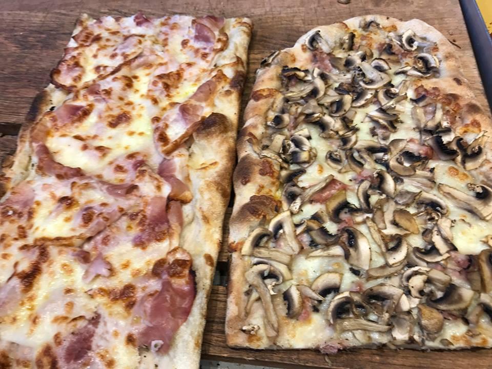 Grecco, le pizze con i funghi e con il prosciutto