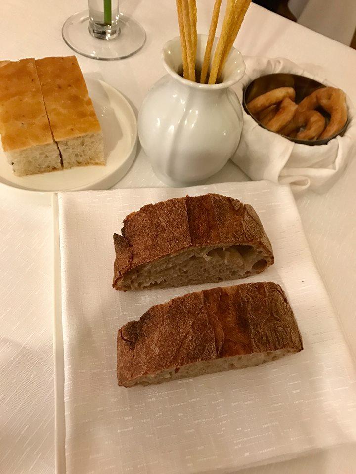 Arbustico, il pane, i taralli e i frissini fatti in propio