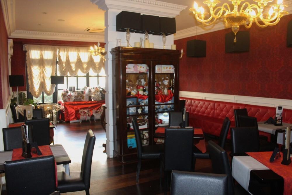 Gran Caffe' pasticceria Cappiello l'elegante sala da the