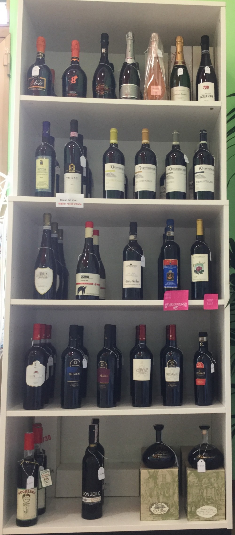 Bottega Holala', vino