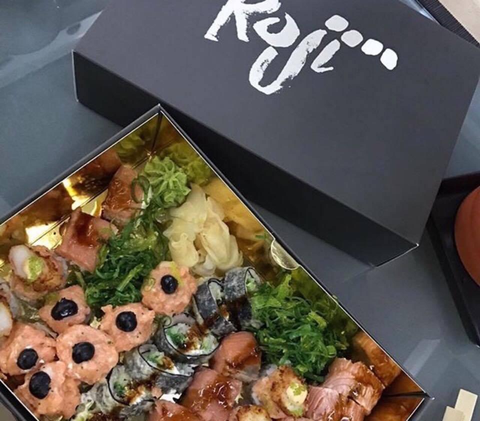 Capodanno fusion,  Roji Sushi Box Di Capodanno Griffato