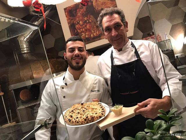 Casa Vitiello Francesco Vitiello e Peppe Russo focaccia coriandolo e sedano rapa