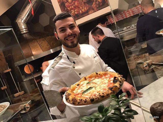 Casa Vitiello Francesco Vitiello e Pizza Margherita