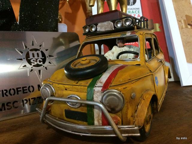 Checco Pizza Lecce. La sala un pezzo di napoletanita'