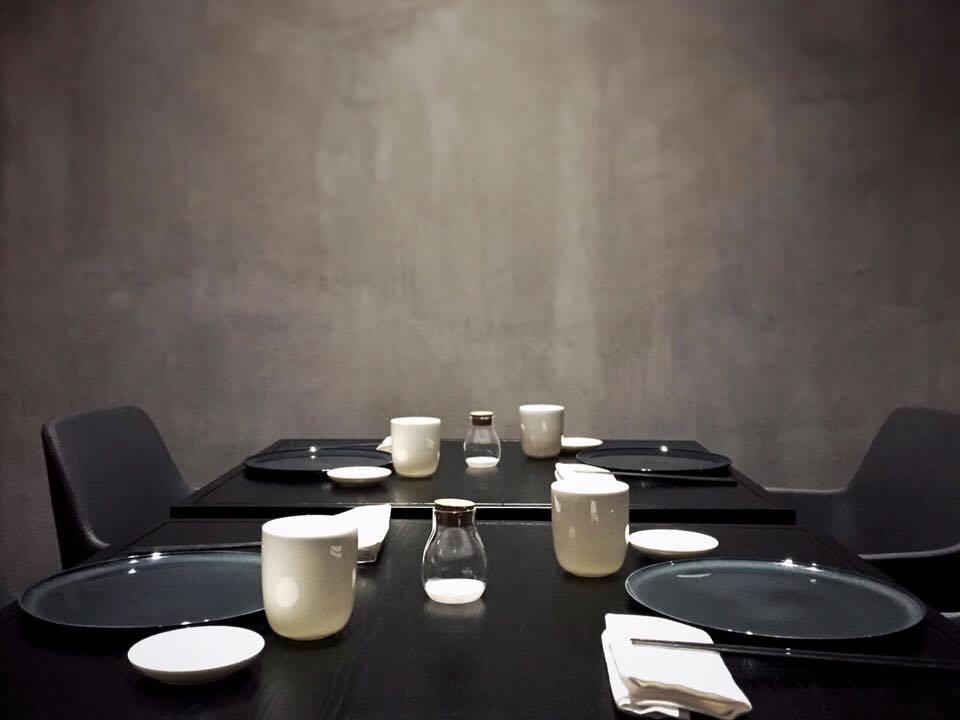 J Japanese Restaurant Napoli, La Sala