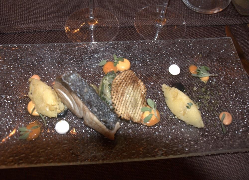 La Locanda del Testardo, Trancio di ricciola appena scottata, accompagnata da scarola e purea di patate