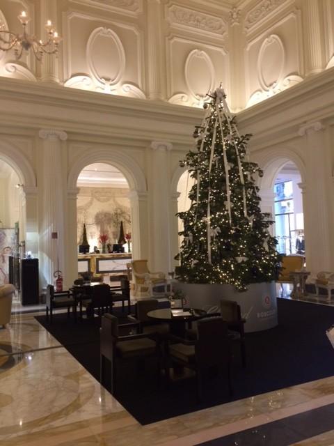 L'elegante interno dell'Hotel Boscolo Esedra dove si trova il ristorante Tazio