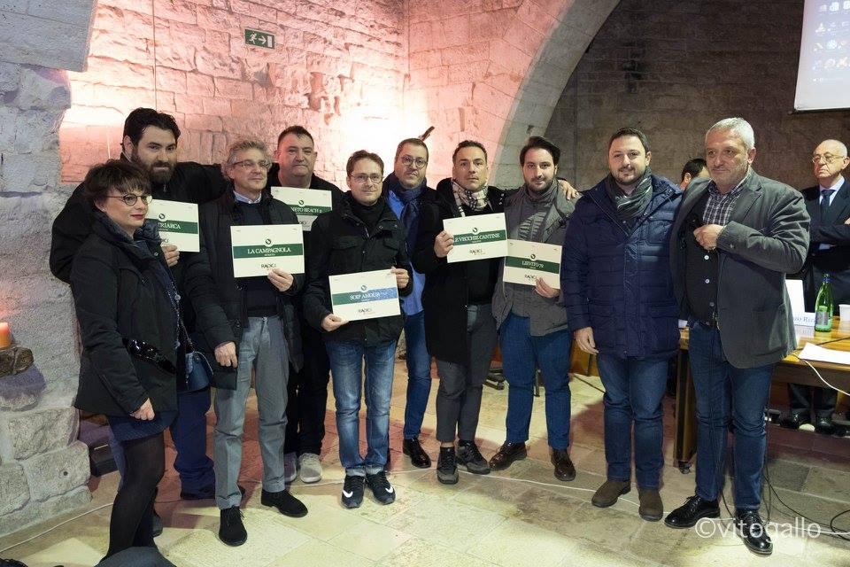 Presentazione delle Guide di Radici del Sud 2017 al Castello di Sannicandro di Bari. Premiazione dei pizzaioli pugliesi