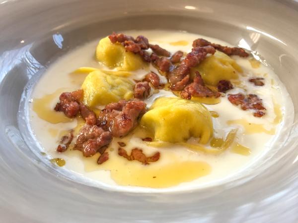 Locanda Radici-Tortelloni con salsiccia-