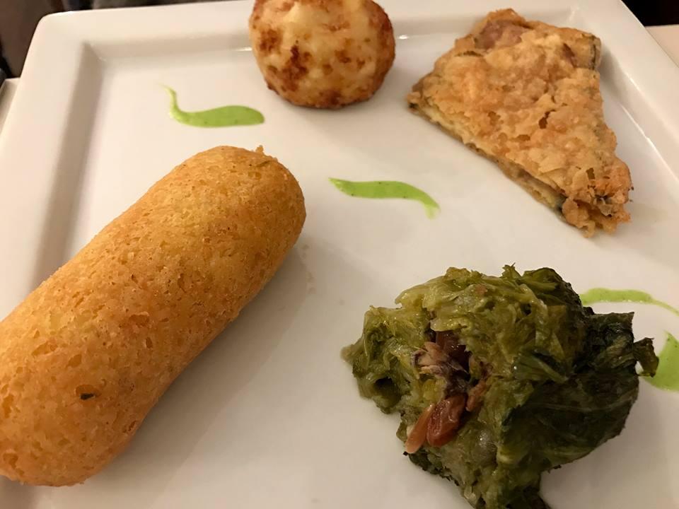 'A Taverna do Re, antipasto di terra. Crocchettone, scarola ripiena, melanzana fritta e frittatina di pasta