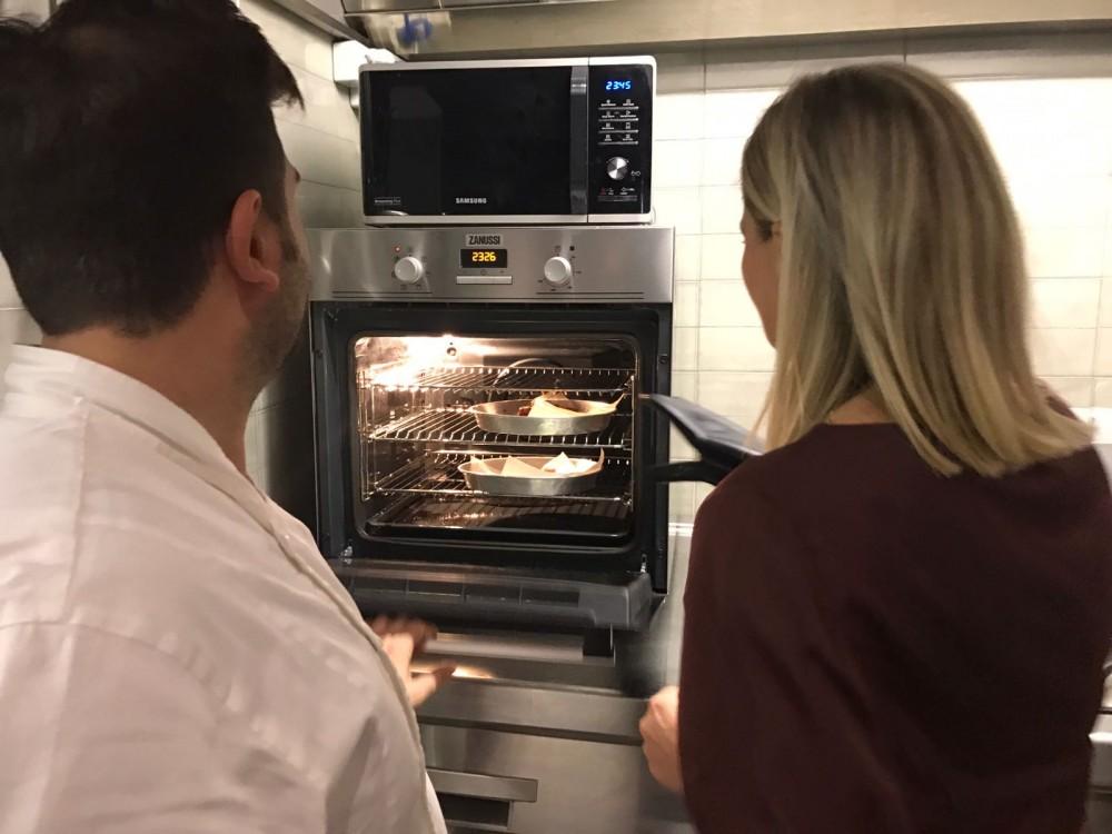 Cottura in forno di maialino e fois gras