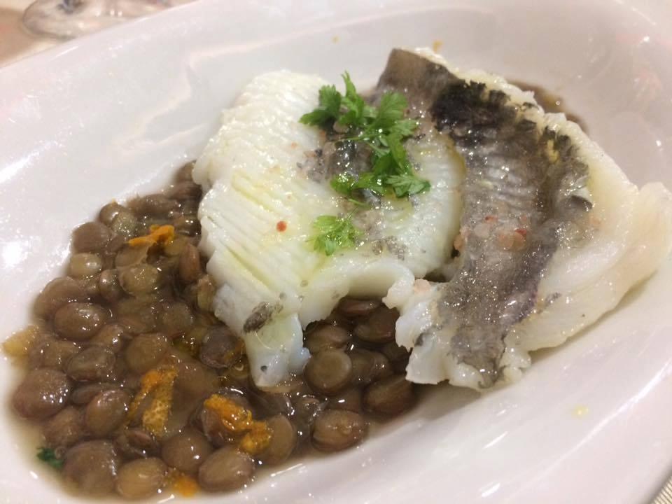 Gerani, pesce san pietro, lenticchie, arancia