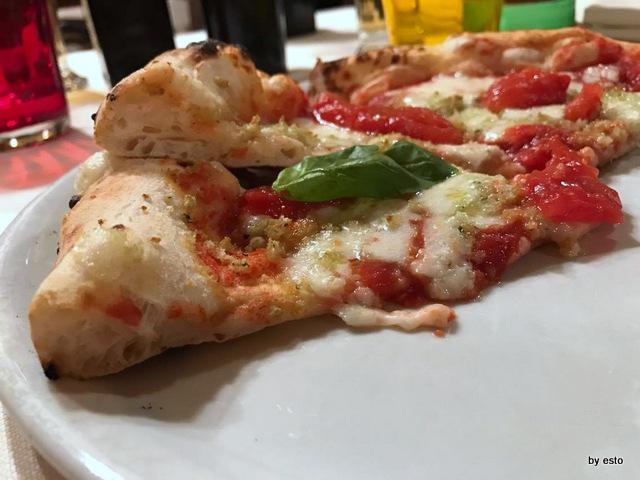 'A Luna Rossa la  pizza struttura