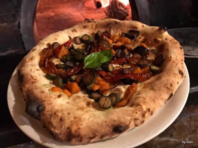 'A Luna Rossa la pizza vegetariana