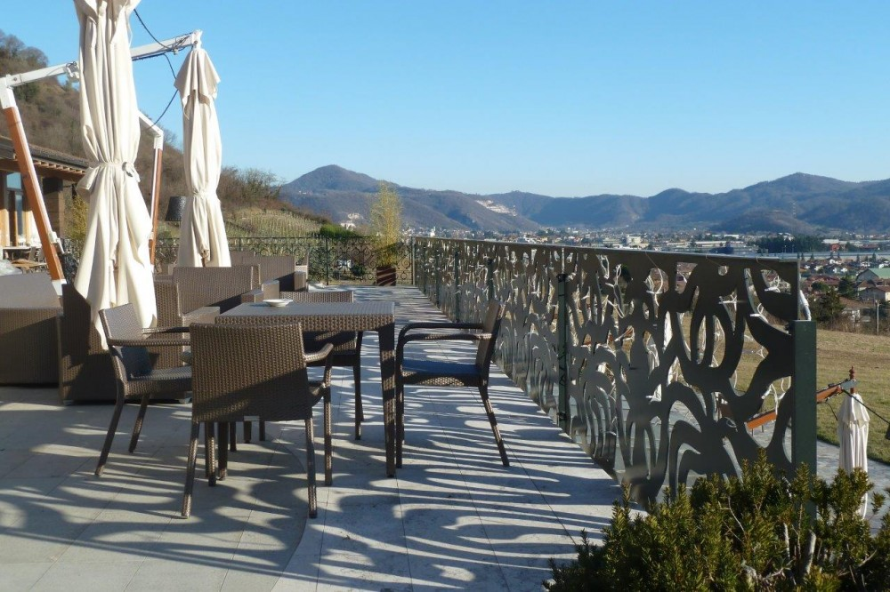 Florian Maison, tavolini in terrazza