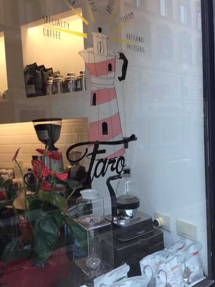 Faro, angolo vetrina