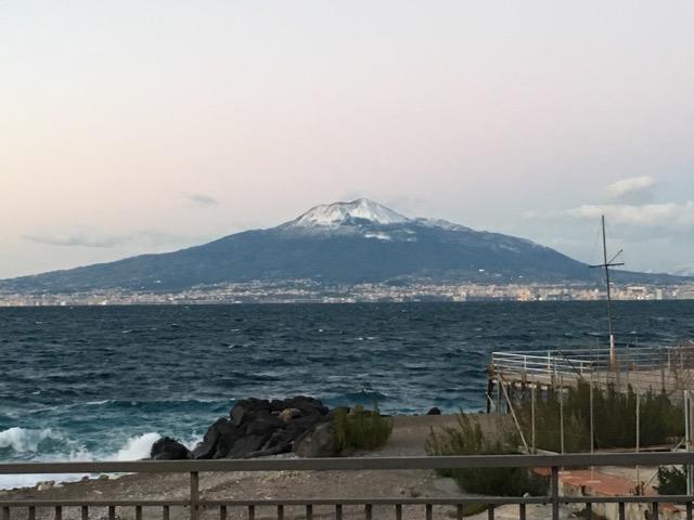 Uno scorcio incantevole, il Vesuvio