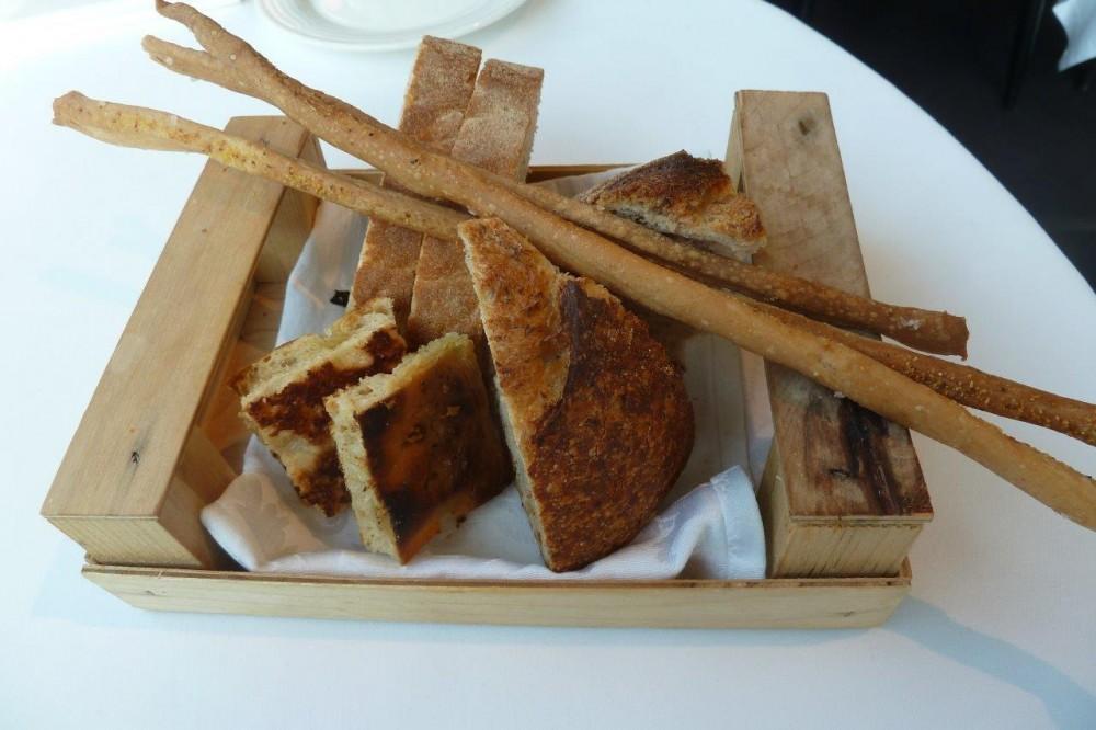 Miramonti, cestino pane e grissini
