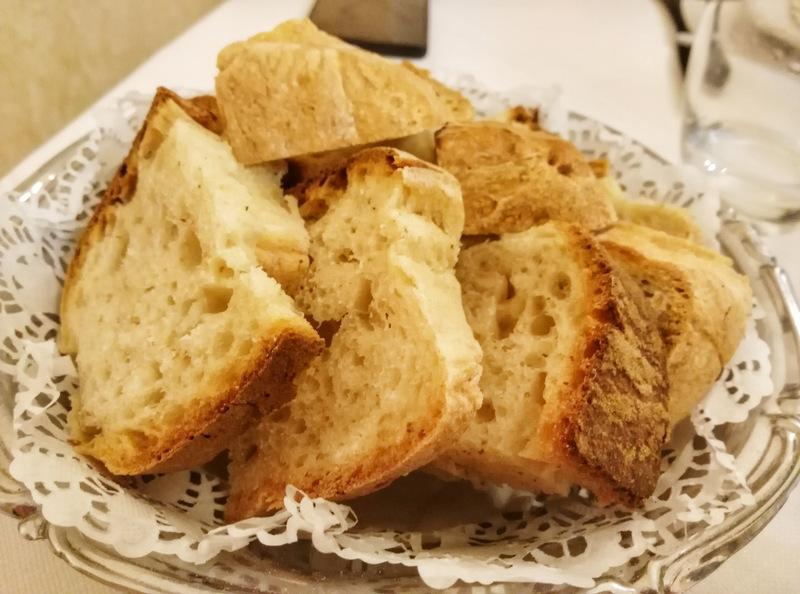 Ristorante 'E Curti, il pane