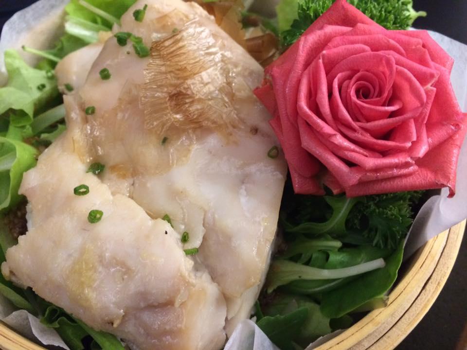 Zenbu. Dentice al vapore, salsa ponzu e Katsuobushi