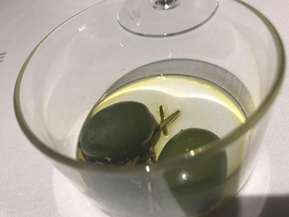 Pipero, olive pugliesi affumicate