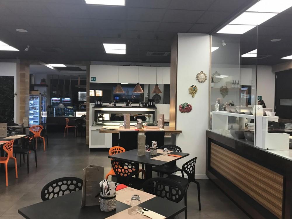 Pizzeria Da Michele I Condurro a Fuorigrotta, la sala