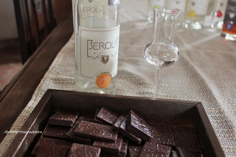 Berola' Distillati degustazione di 'Pellecchiella' e fondente del Giardino di Ginevra di Anna Chiavazzo