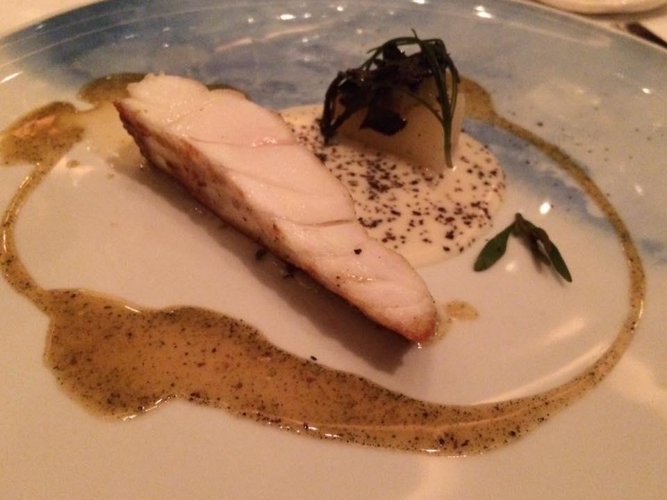 The Ledbury, cavolfiore arrostito, chele di astice, basilico e parmigiano