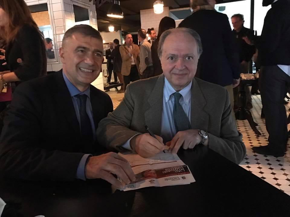 Enzo Vizzari firma con Pecoraro Scanio