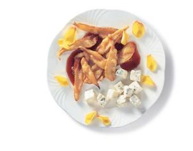 Frittelle di pera e confettura di rose