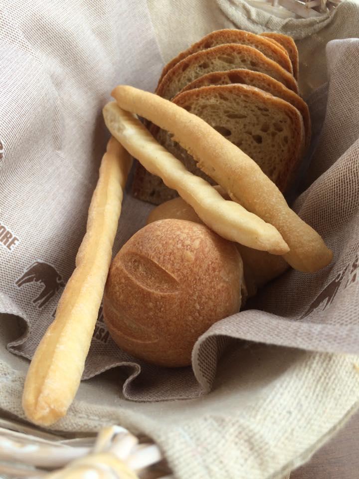 La Dispensa San Salvatore, pane e grissini