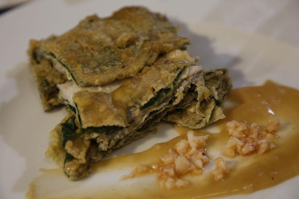 La Taverna del Mozzo Parmigiana di Borragine con pesce sciabola e riduzione di gamberi