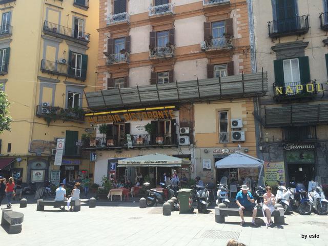 Mattozzi Napoli  Piazza Carita