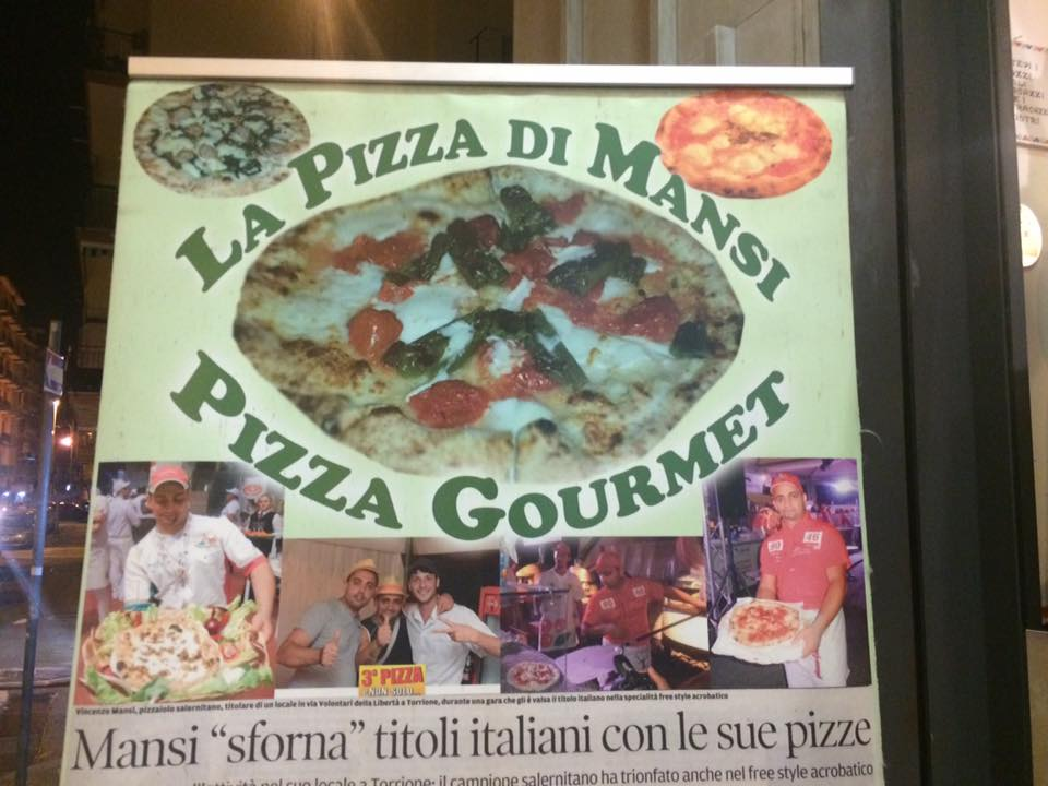 Pizzeria Mansi, cartello all'ingresso