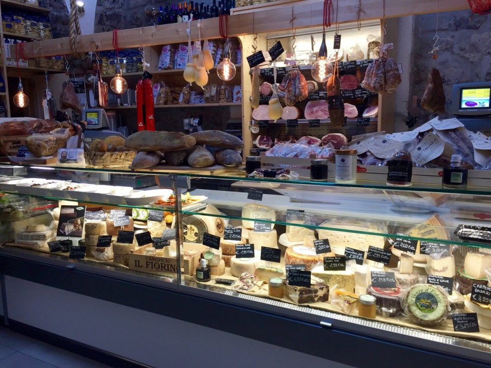 Sapori in Corso, bancone formaggi
