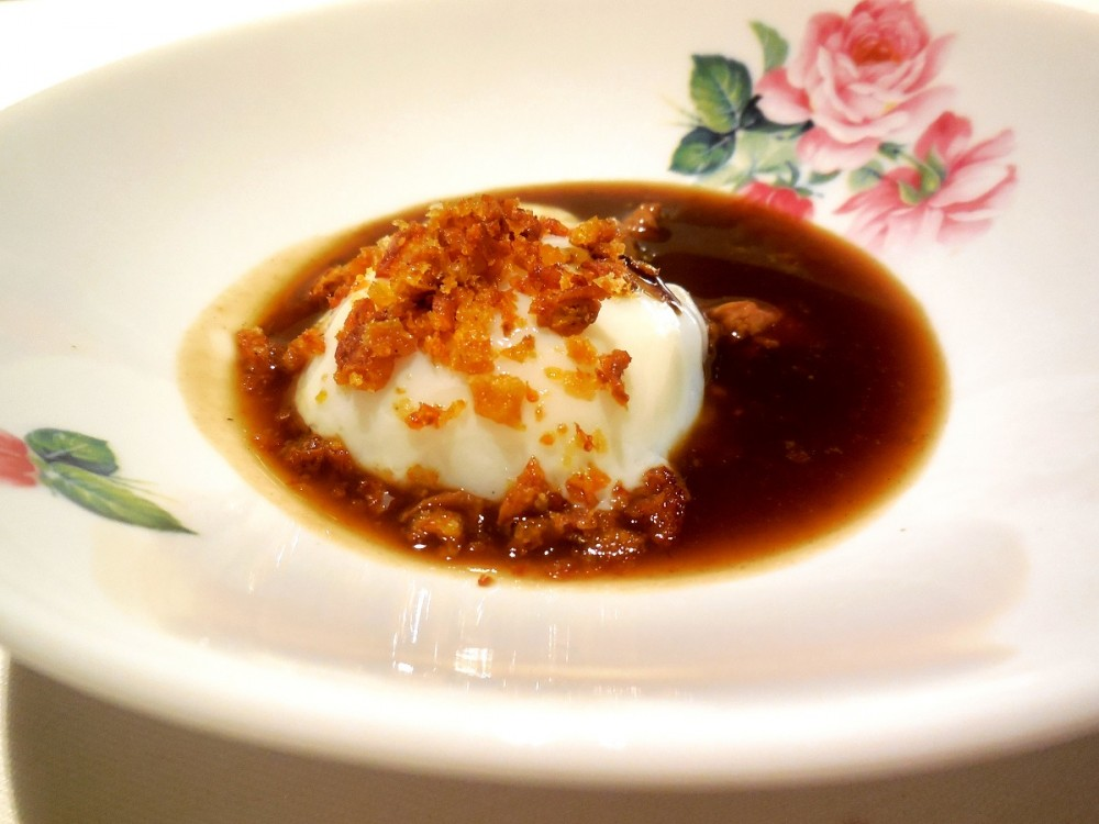 Mud, Il pollo la pelle e l'uovo – Geniale. Creato al tavolo dal niente. Da mangiare in tre cucchiaiate