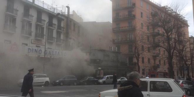 Va in fiamme lo storico pub vomerese Napoli Centrale